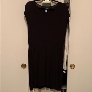 Old navy black short sleeve dress worn pockets